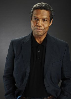 Hugh Quarshie as the smouldering super heartthrob, Dr Ric Griffin...  (I think I'M IN LOVE!!)...No, wait....