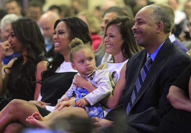 Mobile Web - Sports - NBA Finals: Stephen Curry's parents say Warriors star grounded by family, faith