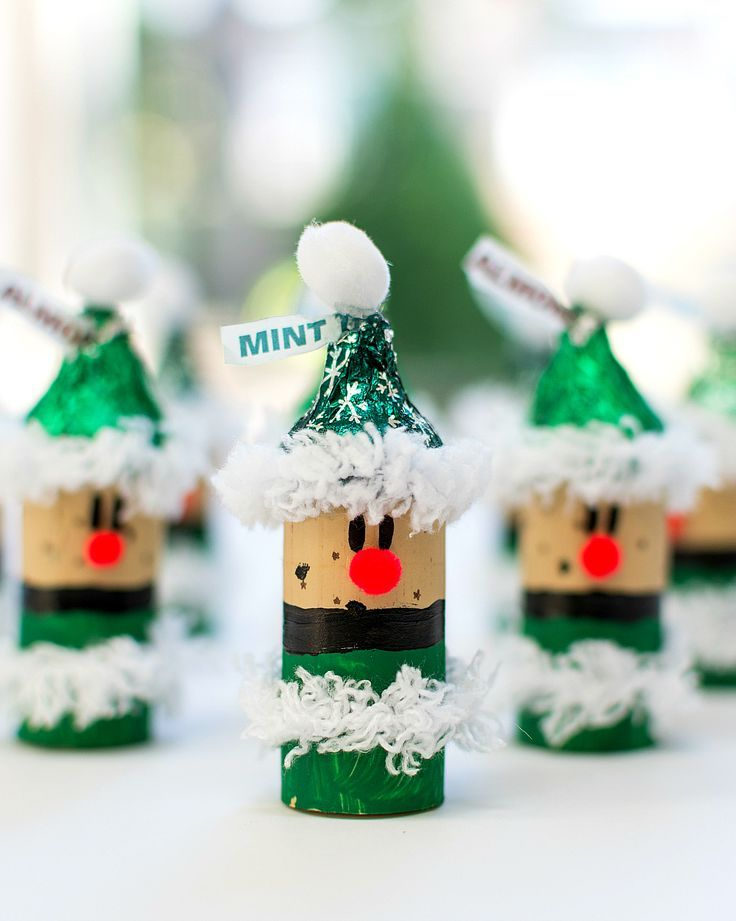 Christmas Craft Ideas for Kids Wine Cork Elves with /hersheyskisses/ hats #NewTraditions #ad