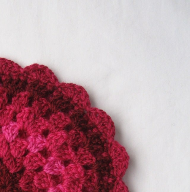 Free Knitting Pattern For Scalloped Edge : Scalloped Crochet Edge Pattern Oh YAY Crochet Pinterest Scallops, Croch...