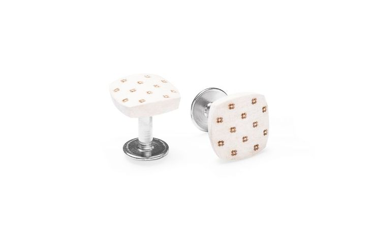 Illa Cufflinks SS'2017. A perfectly ironed shirt, polished shoes and a bespoke suit. You like an absolute perfection and you take great care with everything you do. You are precise and reliable but also uncompromising. You are used to achieving your goals, you never give up. Is your style perfect down to the last detail?