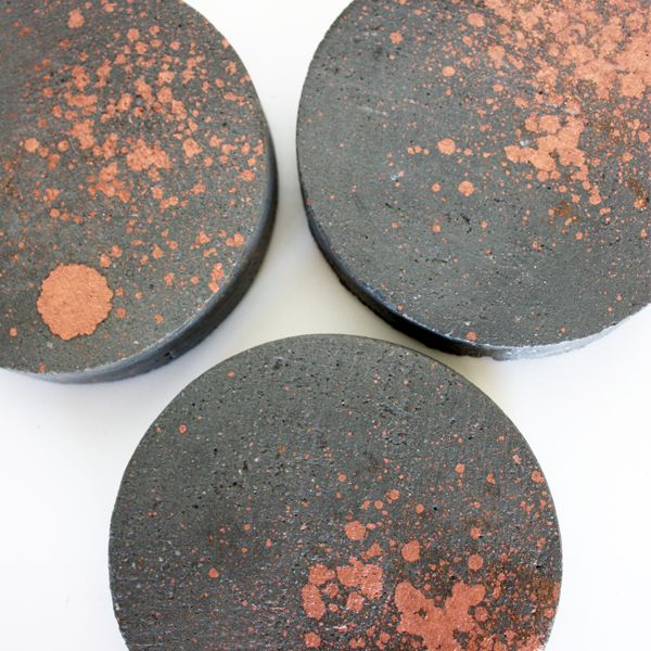 Charcoal infused concrete coasters splash of copper i for How to make concrete coasters