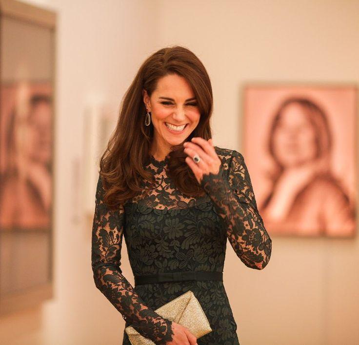 Новая прическа Кейт Миддлтон #королевскаясемья #образ #Великобритания #стиль #красота #КейтМиддлтон #стрижка #прическа