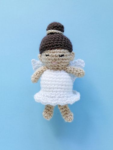 Ami Angel. My daughter asked me to make her an angel, this might be a winner! Free pattern on ravelry