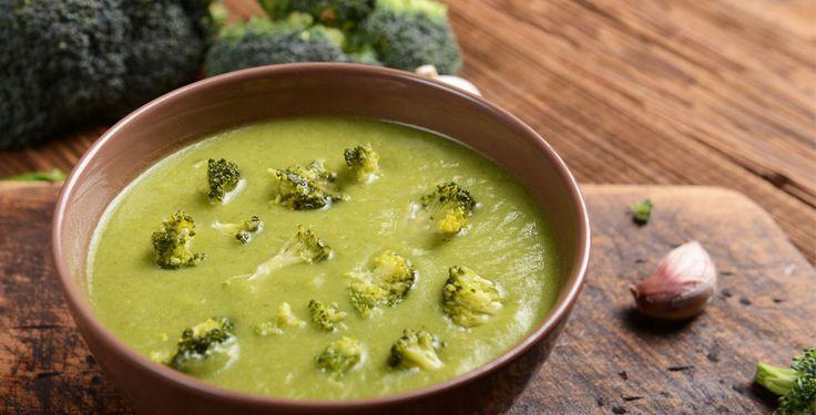 Brokkolisuppe (Melke & glutenfri)  Ingredienser: (2 personer) 400 g brokkoli 4 dl vann Salt og pepper Olivenolje Tilbehør: Ost (Bri eller annen smakfull ost)