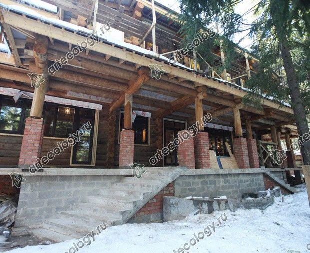 Реконструкция дома из лиственницы 2012 год. Кровля над верандой.