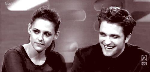 Robert Pattinson admits that he and Kristen Stewart are still in touch!