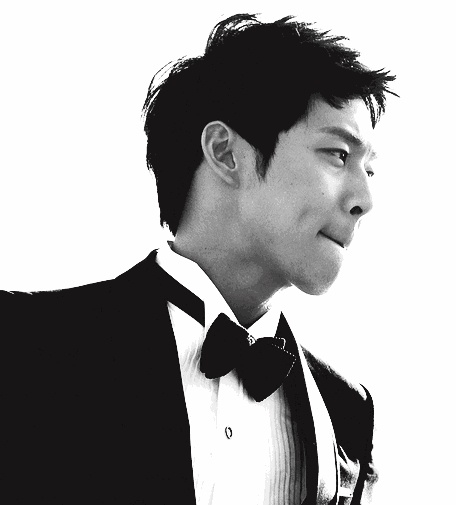 Park Yoochun...sings and acts, and does them both soooo well
