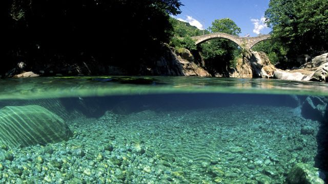 Sentiero Verzasca Randonnée de la rivière sauvage