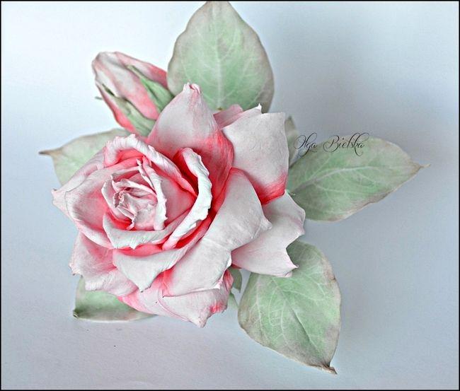 Małe i duże twórcze podróże ... scrapowe :): Róża z foamiranu jedwabnego w kolejnej odsłonie - DT Flowers Handmade Blog