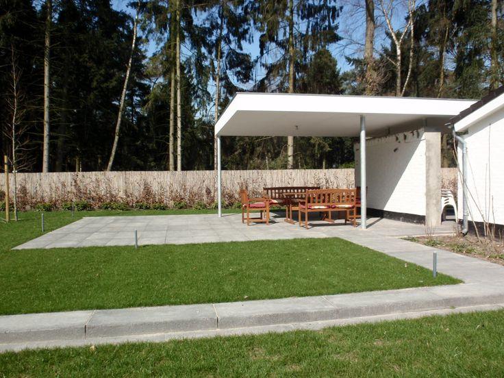 Ook een strakke moderne tuin. Niet voor iedereen, niet bij iedere woning.