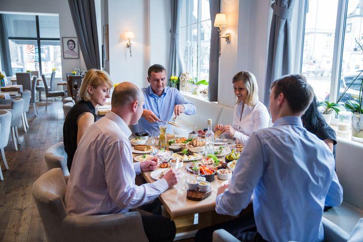 najlepsza restauracja w Warszawie, gdzie dobrze zjeść w Warszawie, dobra restauracja w Warszawie, catering w Warszawie, polecana restauracja w Warszawie, polska restauracja w Warszawie, Restauracja Akademia