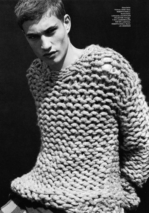 .Men's Chunky, Oversized Knitted Jumper