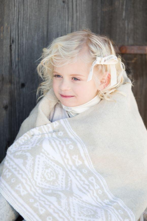 Kaunis Nyytinki viltti 70x180cm.  finnish design  www.luhka.com Beautiful Nyytinki shawl