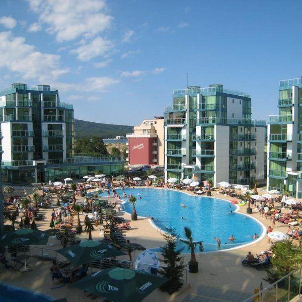 Отель Grand Primorsko в Болгарии расположен в 200 метрах от центра и в 50 метрах от пляжа.  Отель Grand Primorsko предлагает свои гостям: крытый и сезонный открытый бассейны, спа- и велнес-центр. В ресторанах можно отведать блюда болгарской и интернациональной кухни http://www.bontravel.com.ua/tours/hotel-grand-primorsko-bolgariya/  #travel