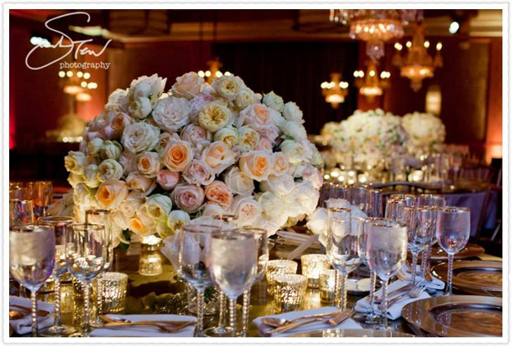 jewish wedding flowers luxe floral tablescape by the showplace floral design event decor. Black Bedroom Furniture Sets. Home Design Ideas