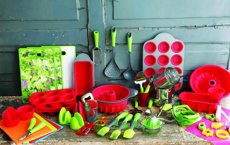 ¡Cambia los colores en tu cocina y renueva tus espacios con estas coloridas opciones!  http://www.easy.cl/especial-easy-bazar  #Rojo #Red #Cocina  #Espacios #Rosa #EasyBazar #CambiaViveMejor #Easy #TiendaEasy