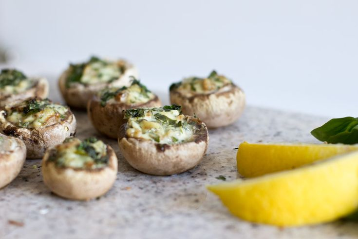baked mushrooms filled with wild garlic cream cheese – lunch recipe