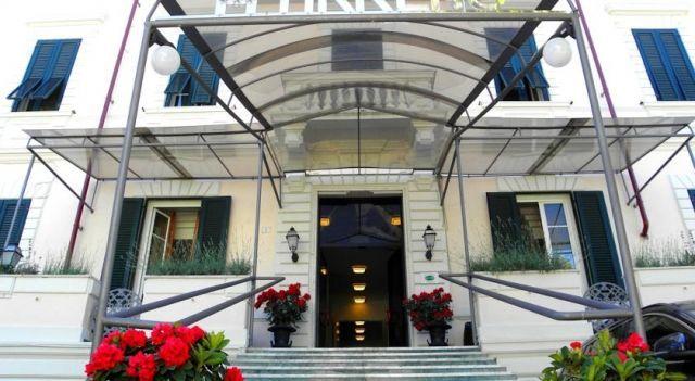 Hotel Tirreno - 3 Sterne #Hotel - CHF 52 - #Hotels #Italien #MarinaDiMassa http://www.justigo.li/hotels/italy/marina-di-massa/tirreno-marina-di-massa_173143.html