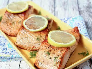Salmon with Lemon Dill Sauce by Giselle Gonzalez