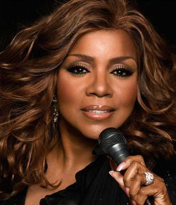 Gloria Gaynor - Can't Take My Eyes Off Of You - Non solo Musica e Ricette