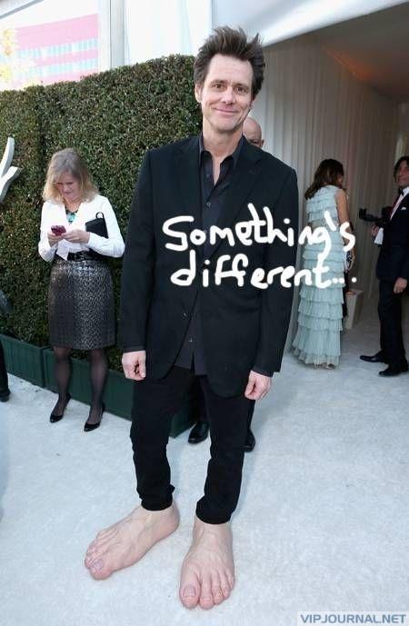 Jim Carrey's Oscar Outfit