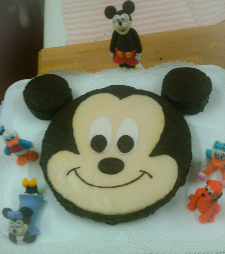 Mickey Mouse's cake