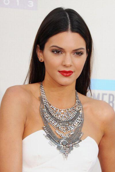 9 Celebrities Rocking Red Lipstick