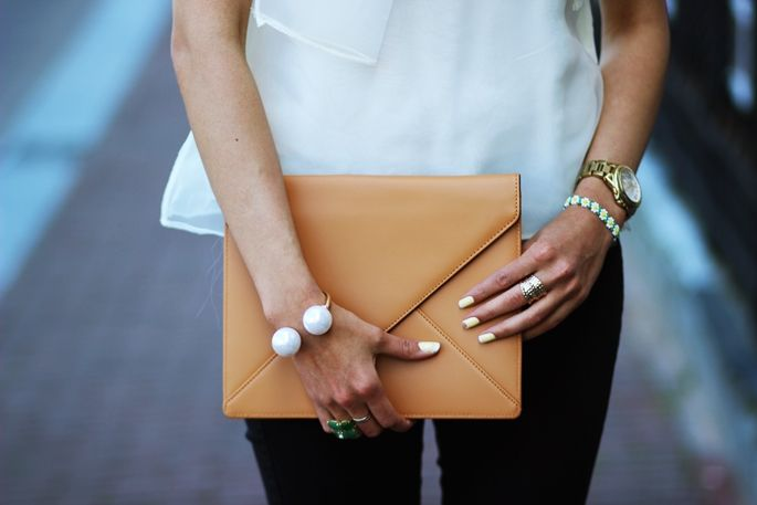 Preppy Fashionista with the Camel iPad clutch! Shop the iPad clutch on http://thelovechild.com.au/accessories/bags