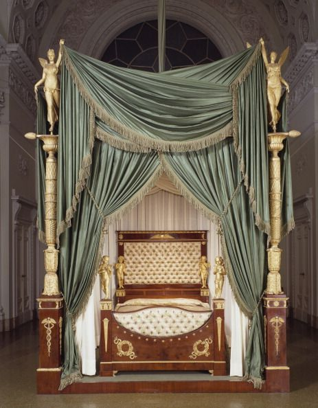 ornate historic bed - Google Search