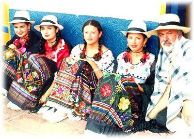 COLOMBIA Traje típico región andina