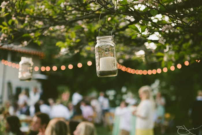 joli mariage DIY dans le jardin multicolor
