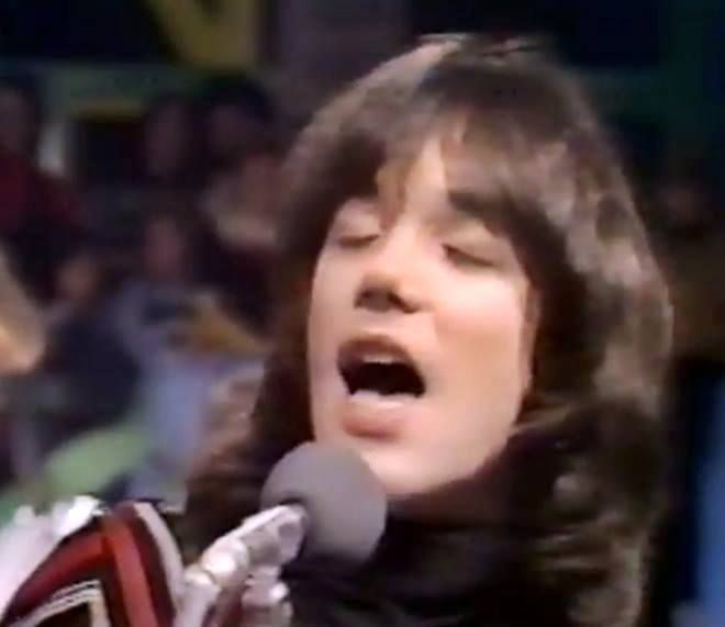 Arrows front man Alan Merrill on the Arrows weekly TV show, series 2, 1976. #arrows #alanmerrill #UK70s