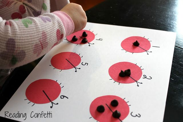 5 simple games for teaching number recognition to preschoolers: Maybe with raisins instead of chocolate chips?