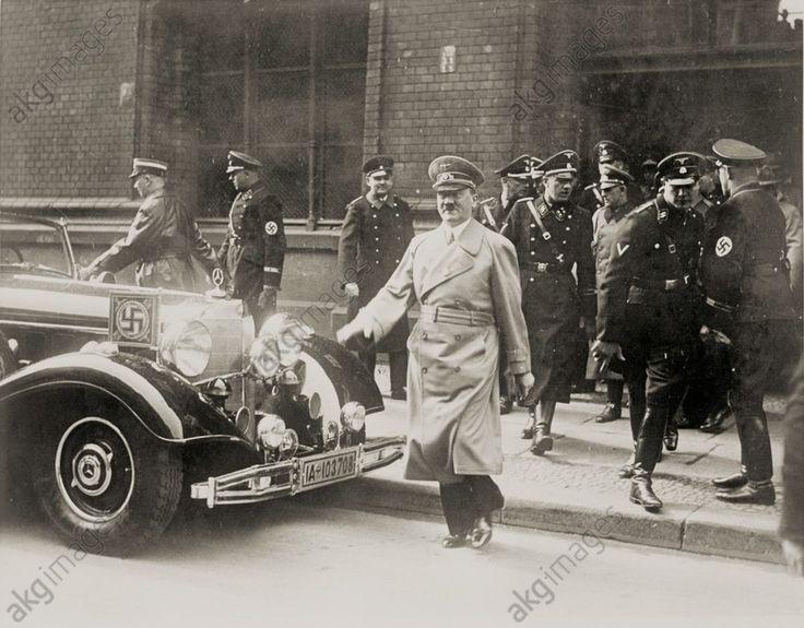 1938-Adolf Hitler aus Wien kommend am Anhalter Bahnhof