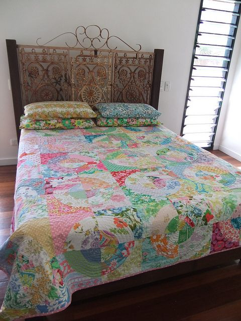 Kirstys Circle Quilt by clothwork, via Flickr