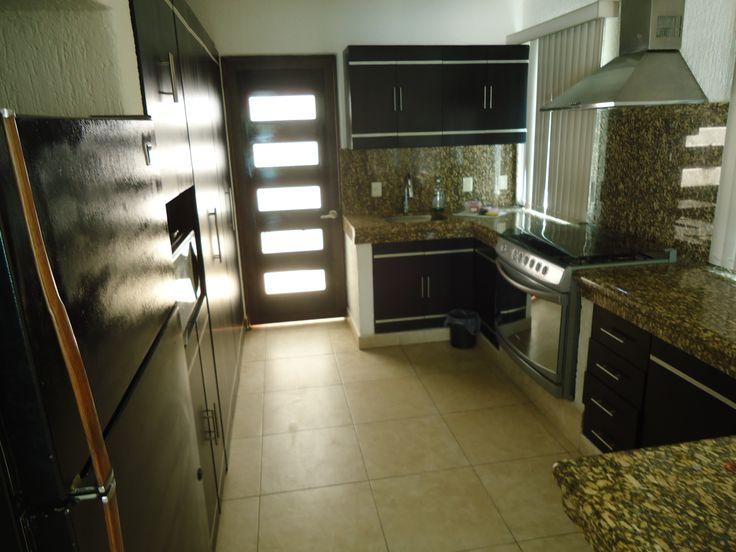 Cocina casa Tul Casas en renta por fin de semana en Lomas de Cocoyoc, Morelos, México.  www.cocoyocbienesraices.com.mx