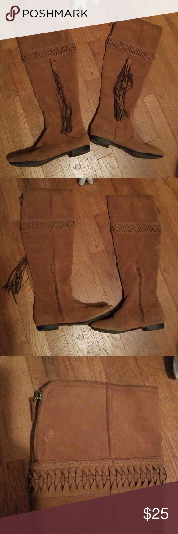 Women's Boots Size 6.5 Knee High Brown Boots Great Condition except the spots I have pictured that need to be treated. I do not have the right cleaning supplies to clean boots made out of this material as I assume you would do the same with these as you would do when cleaning a pair of UGG boots & that requires a specific type of spray. I believe once cleaned with the correct spray these boots will look flawless. They do look amazing on when without being cleaned but could look even more…