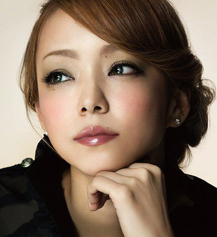 Thinking of going light for the summer again. Love this color Namie Amuro has..
