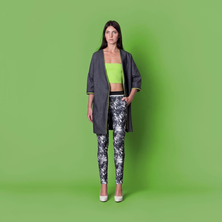 Cocoon Spring - Summer 2015 / Muss collection / Denim coat with green otherside and finishes.