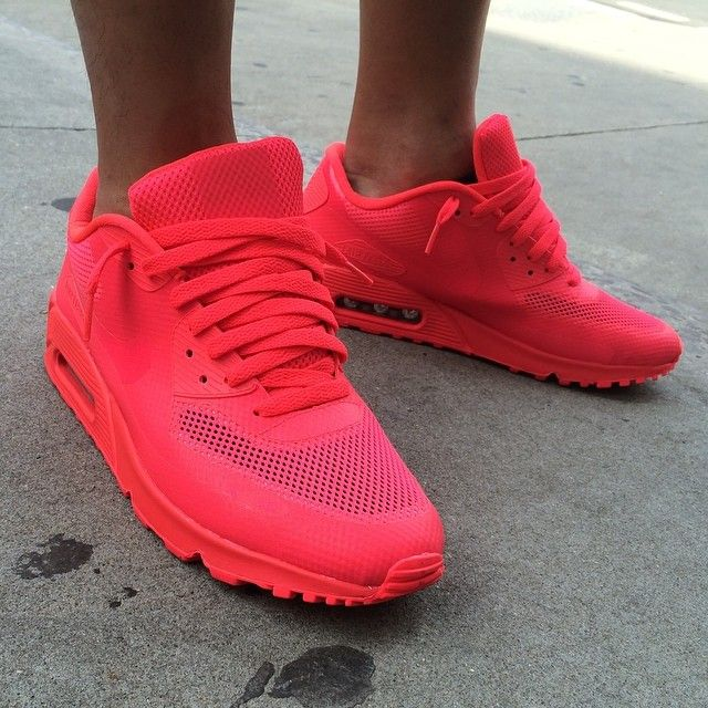 Nike Air Max 90 Hyperfuse Prm Hyper Pink Customs Women size 6 nikeid solar red