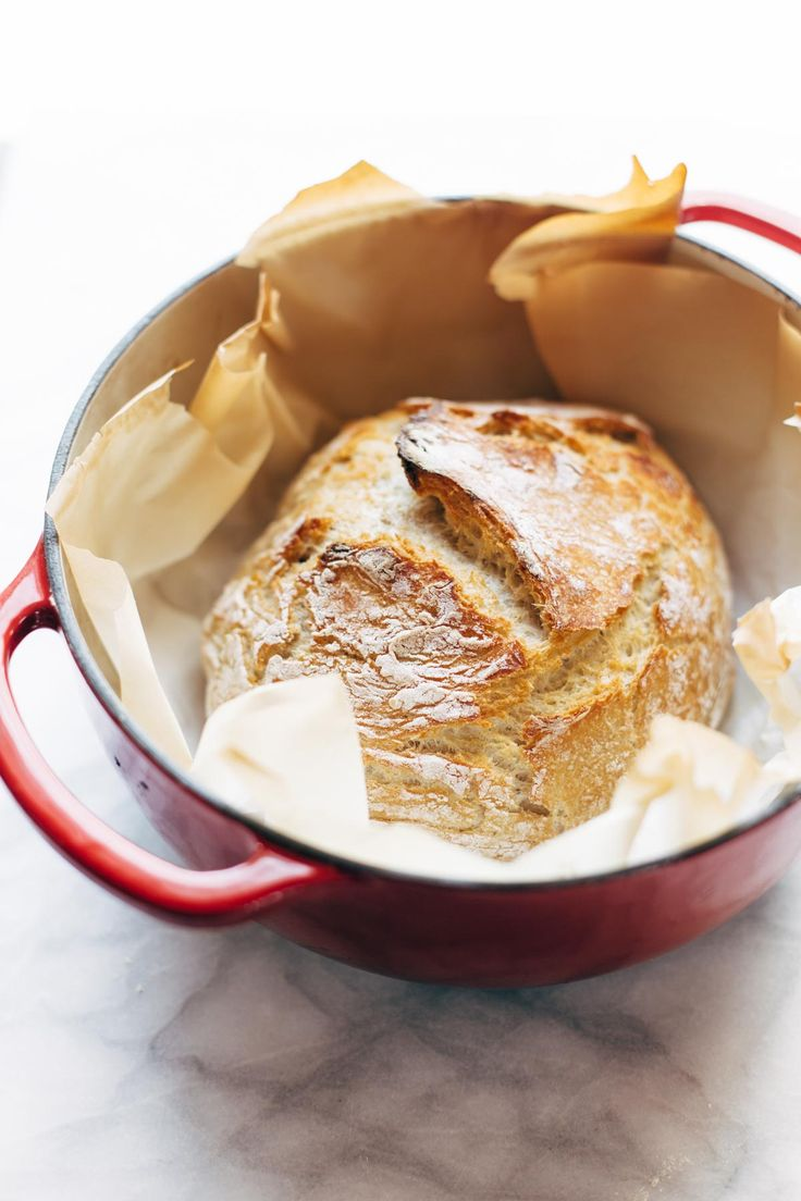 Miracle No Knead Bread! this is SO UNBELIEVABLY GOOD and ridiculously easy to make. crusty outside, soft and chewy inside - perfect for dunking in soups! Sponsored by @LodgeCastIron  | pinchofyum.com