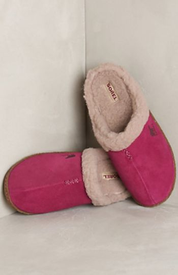 best gift idea! comfy Sorel slippers #anthrofave http://rstyle.me/n/rvki9r9te