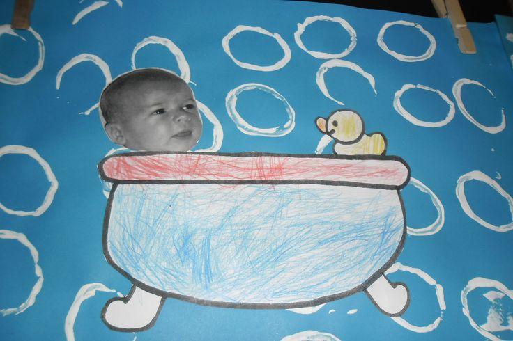 In bad! Foto van de kleuters als baby laten meebrengen en kopiëren om hun werkje te personaliseren