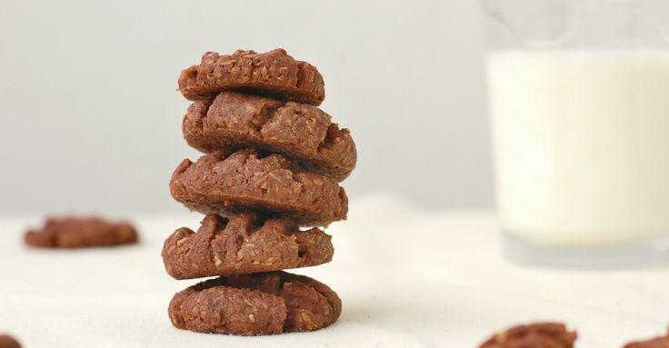 Recept na Domácí koka sušenky pro celiaky z kategorie snadno a rychle, bezlepkové:  220 g másla, 100 g moučkového cukru, 2 žloutky, 3 lžíce holandského ...