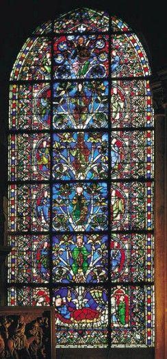 L'arbre de Jessé est le premier vitrail représentant ce thème de l'arbre généalogique du Christ, il est le modèle de celui de Chartres. Les vitraux de la basilique Saint-Denis sont considérés comme les plus anciens de France.