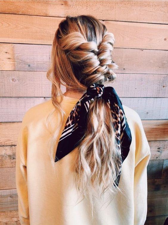Kopftuch, Kopftuch und Bogenfrisur   – Hair Inspo #Geflochtene Frisuren #Frisure…