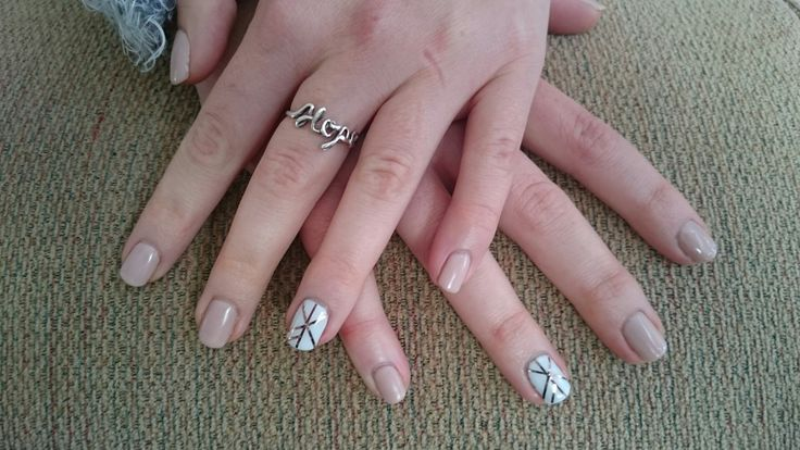 Stunning nude natural overlay with white overlay on the ringfingers and golden stripes
