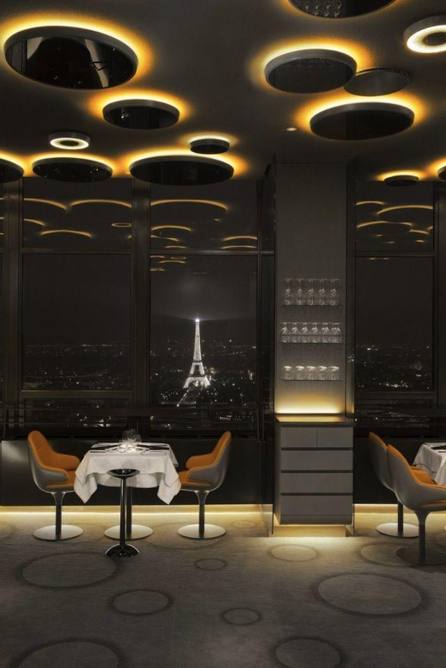 Cielo futurista de Artemide..! #lighting #luces #diseño