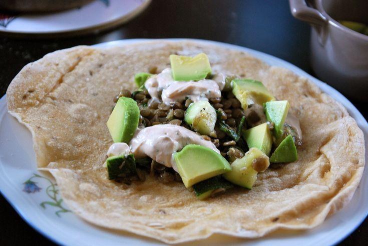 Bönor chipotle avokado egengjort tortillabröd